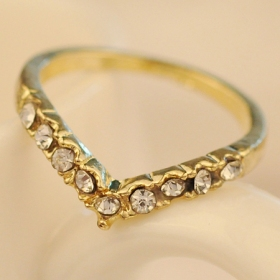 Fashion Golden Heart Shape Rhinestone Band Ring