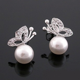 Sliver Buttonfly with Pearl Ladies' Elegant Stud Earrings