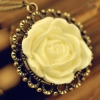 Vintage Antique Hollowed Edge Flower Style Ladies' Chain Necklace