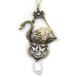 Vintage Gold Plated Alloy Rhinestone Goose Pendant Necklace